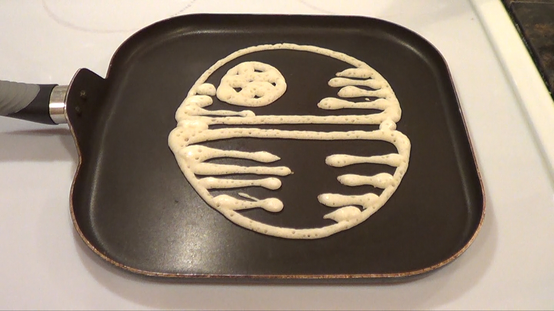 Pancakes minnesota cold cold weather experiments death star pancake 1 ccuart Gallery