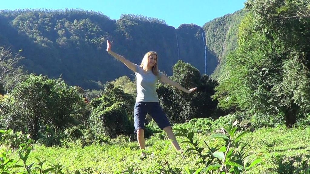 Hawaii Dance 022 - Waterfalls in Waipi'o Valley