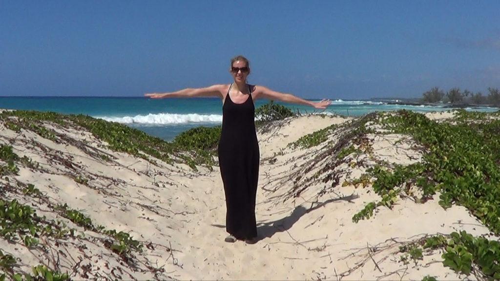 Hawaii Dance 028 - Sand Dunes and Ocean near Makalawena