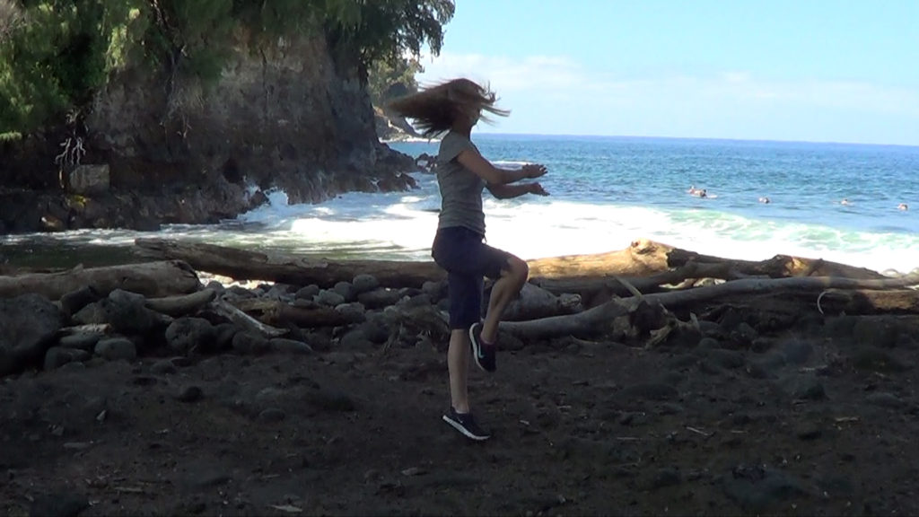Hawaii Dance 032 - Ocean at Kolekole Beach Park