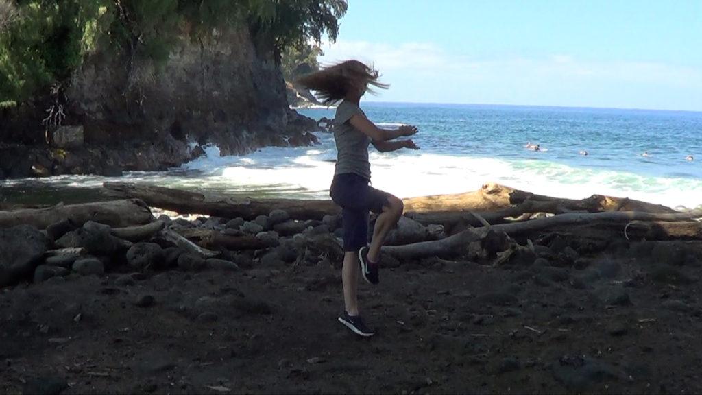 Hawaii Dance 032 - Ocean at Kolekole Beach Park