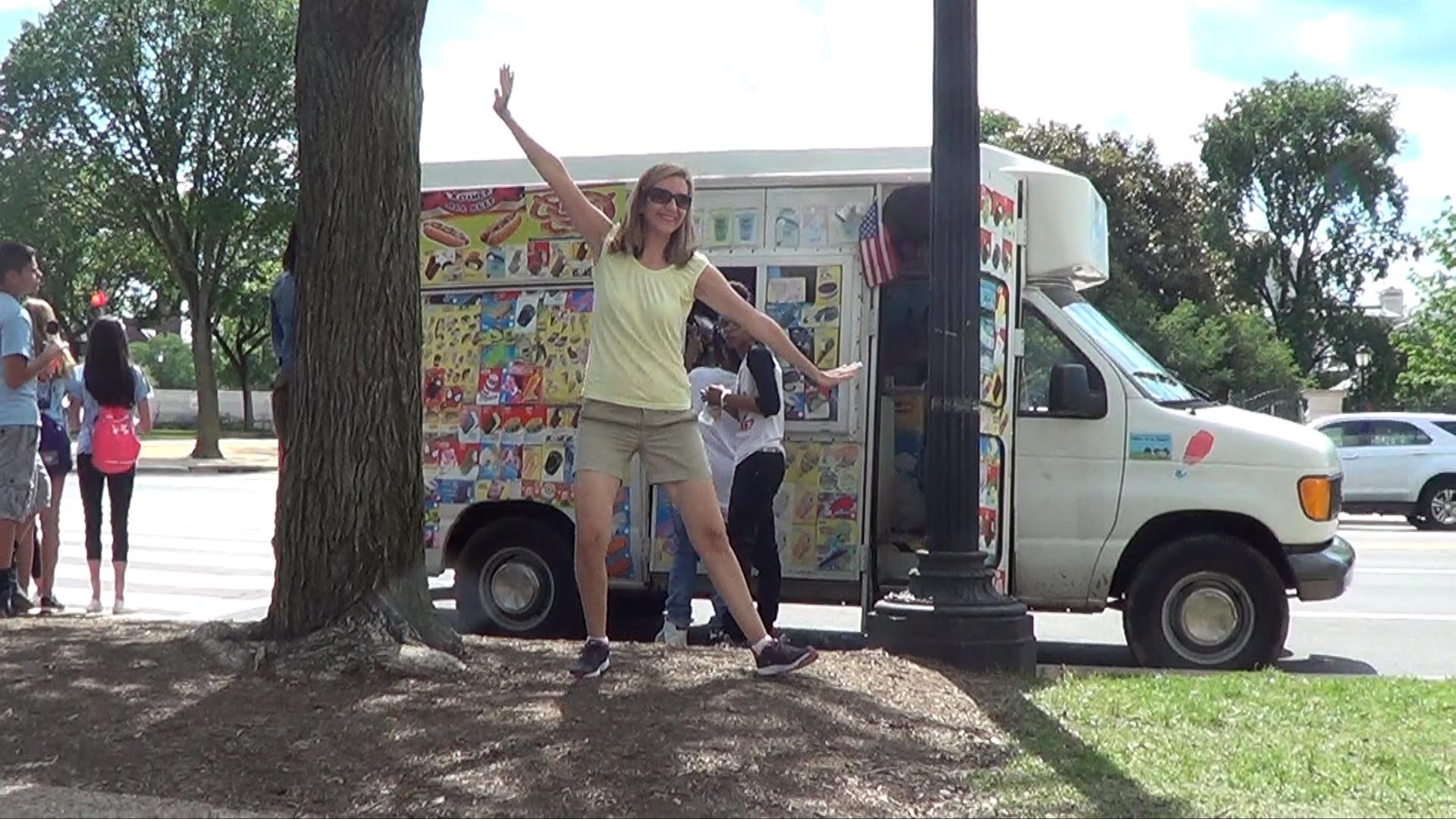 09 - Ice Cream Truck