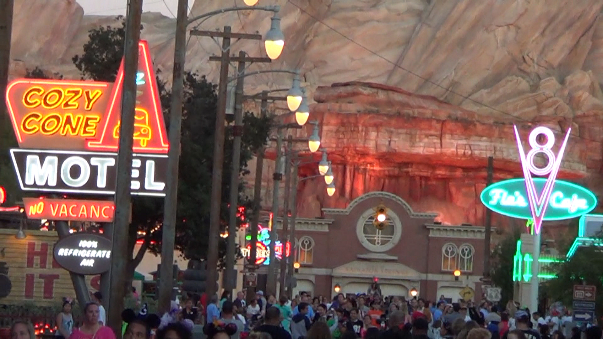 05 Disneyland - Lights on Route 66 in Radiator Springs turn on each night at exactly the time of sun set