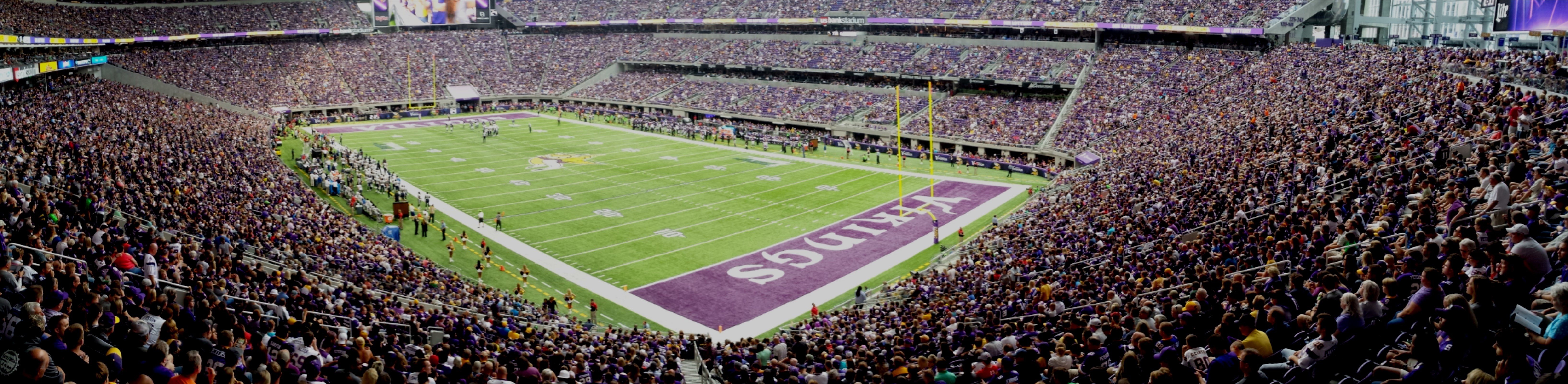 Minnesota Vikings U.S. Bank Stadium First Game - Panoramic