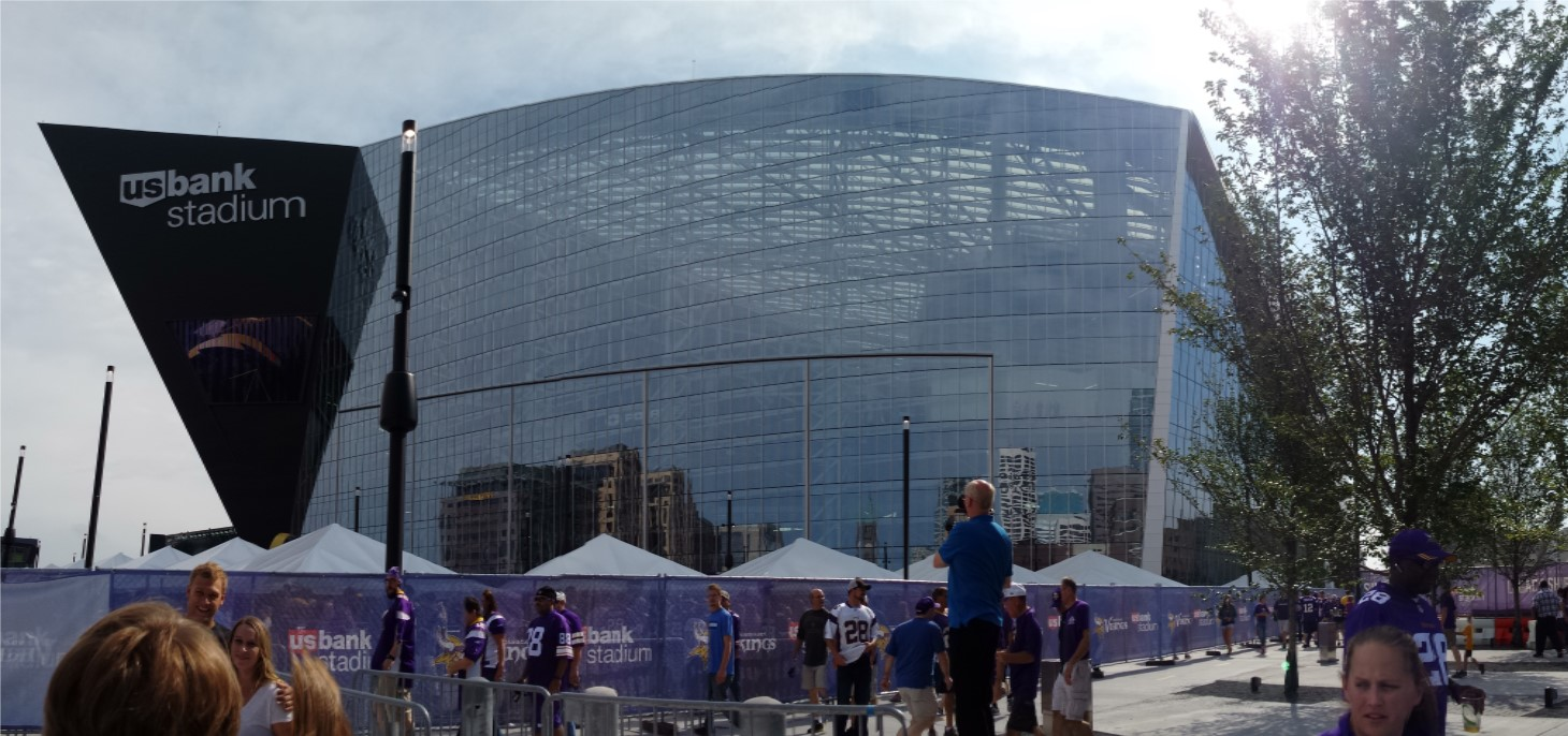Minnesota Vikings U.S. Bank Stadium First Game Picture 02