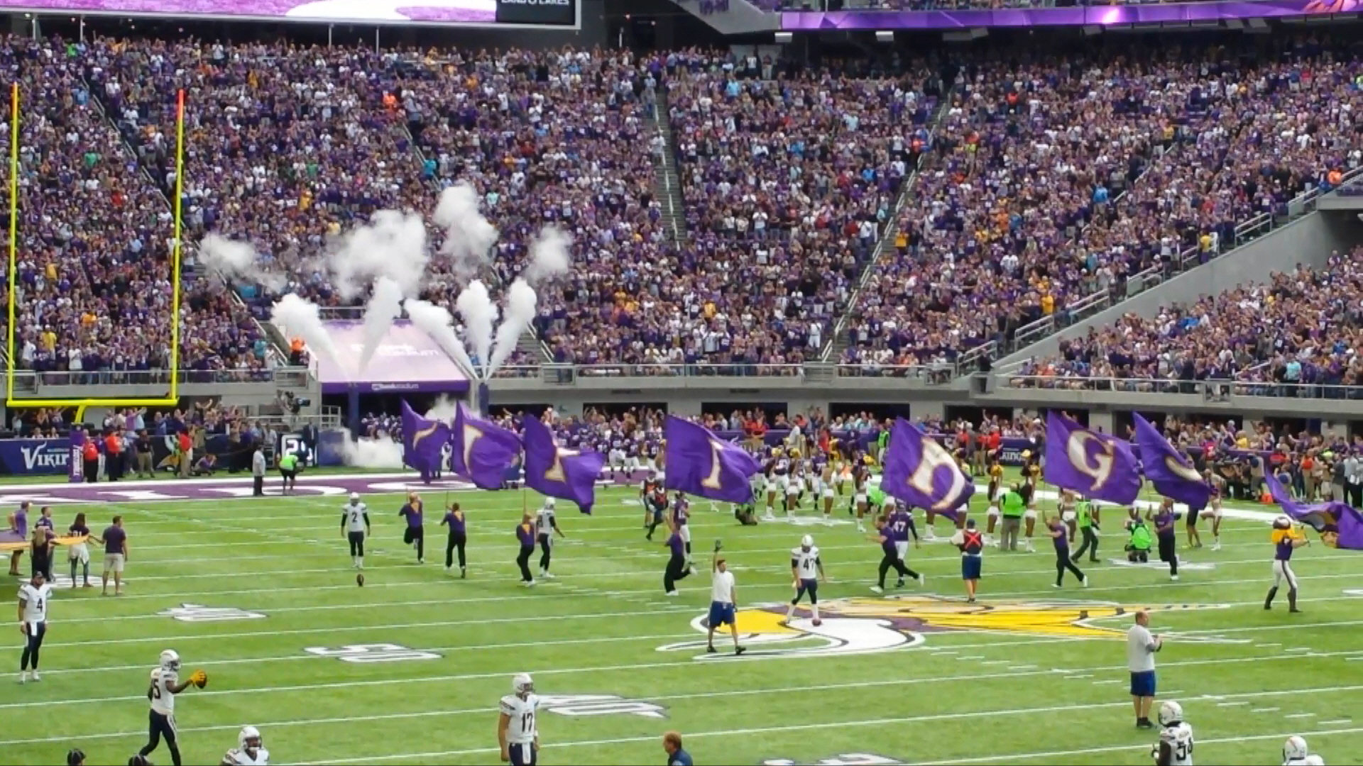 Minnesota Vikings U.S. Bank Stadium First Game - Flags